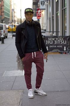 best website 55b1e eb859 Joggers   Famous Outfits Red Joggers, Joggers Outfit, Fashion Joggers, How  To Wear