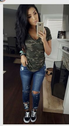 fashion Pin by Yvette Wesley on Outfits in 2019 Spring Outfits Fashion Outfits pin Wesley Yvette Cute Fall Outfits, Trendy Outfits, Spring Outfits Women Casual, Casual Jeans Outfit Summer, Cute Everyday Outfits, Summer Outfits For Moms, Over 40 Outfits, Casual Outfits For Moms, Moda Outfits