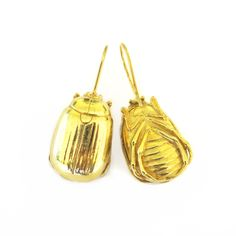18ct Yellow Gold Plated Sterling Silver    Beetle - 24 x 16mm  Weight - 16.4 grams    ** for quotation on Gold please email - anna@annarosholt.com