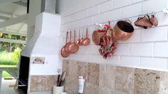 http://casapraiatabatinga.blogspot.com.br/2012/12/churrasqueira-e-espaco-gourmet-da-casa.html