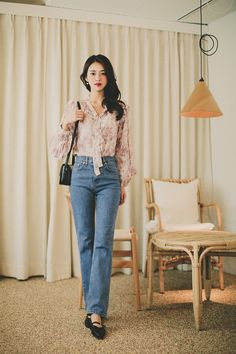 Korean Summer Outfits, Jeans Outfit Summer, Dresses For Work, Summer Dresses, Mom Style, Jean Outfits, Korean Fashion, Mom Jeans, Personal Style