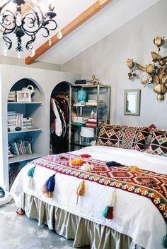 To find some inspired boho bedroom decorating to a budget is constantly a battle. It is an enjoyable approach to decorate that the bedroom. This may bring about a unique . Read Wonderful Inspired Boho Bedroom Decorating On A Budget For Unique Look Deco Boheme Chic, Boho Home, Estilo Boho, Estilo Retro, Home And Deco, Home Bedroom, Bedroom Ideas, Bedroom Designs, Master Bedroom