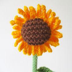 Ravelry: Sunflower pattern by Amanda Berry Knitted Flowers Free, Knitted Flower Pattern, Flower Patterns, Yarn Crafts, Diy Crafts, Easy Knitting Patterns, Free Knitting, Sunflower Pattern, I Cord