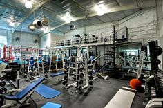 THIS WOULD BE PERFECT!!!! 8 Mind Blowing Home Gyms - Moneysupermarket.