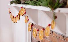 DIY Dried Citrus Garland for the Holidays Bohemian Christmas, Natural Christmas, Homemade Christmas, Simple Christmas, All Things Christmas, Winter Christmas, Christmas Holidays, Christmas Decorations, Hygge Christmas
