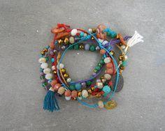 Celeste Cord Friendship Bracelets with Charms por maslinda en Etsy Bohemian Style, Boho Chic, Selling On Pinterest, Cord Bracelets, Mother Of Pearl Buttons, Different Styles, Friendship Bracelets, Delicate, Menu