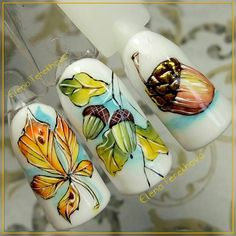 Manicure with leaves - 5 nail art ideas for autumn Autumn Nails, Fall Nail Art, Winter Nails, Nail Ink, Nail Manicure, Trendy Nails, Cute Nails, Summer Holiday Nails, Seasonal Nails