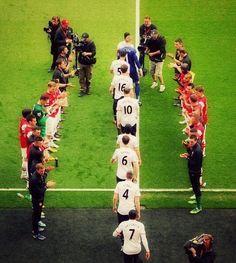 UTD's 20th Premier League Title, Arsenal guard of honor...