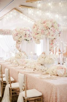 Luxury wedding inspiration: decoration – white and pink wedding - Decoration For Home Wedding Reception Table Decorations, Wedding Ceremony Ideas, Wedding Centerpieces, Wedding Table, Wedding Events, Wedding Themes, Reception Design, Glamorous Wedding, Luxury Wedding