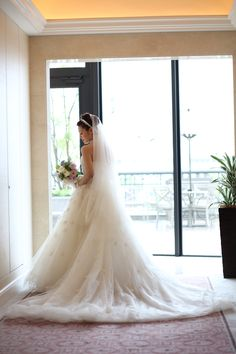 オスカーデラレンタ[oscar de la renta]のドレス お花とチュールのwedding dress