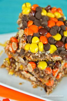Peanut Butter And Chocolate Magic Cookie Bar Recipe. Magic cookies bars are one of my favorite desserts!