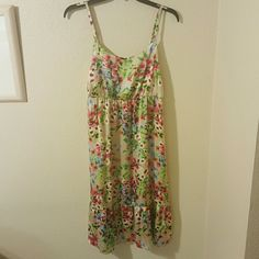 Cute and Colorful Floral Dress Old Navy colorful floral dress. Worn once, breathable fabric, silky to the touch. Size is a medium. Old Navy Dresses Midi