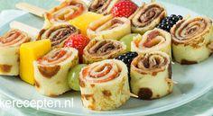 Pannenkoek spiesjes met fruit