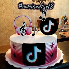 9th Birthday, Birthday Parties, Candy Birthday Cakes, Cute School Bags, Party Sweets, Happy Birth, Tic Tok, Baking Soda, Fondant