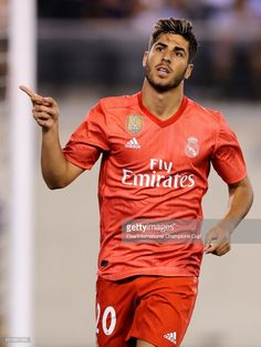 Marco Asensio of Real Madrid celebrates after scoring a goal against. Real Madrid Football Club, Real Madrid Players, Soccer Guys, Football Players, Robin Olsen, Fifa, Alexandre Pato, Equipe Real Madrid, Sports Mix