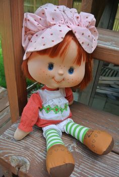 "Vintage Kenner 1980 STRAWBERRY SHORTCAKE Plush Rag Doll 15/"" Plush Yarn Hair"