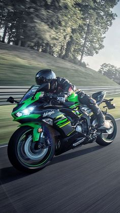 Green CNC M-Pro Front Foot Pegs For Kawasaki ZX-6R 636 Ninja 2013