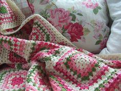 Mias Landliv: The granny square blanket