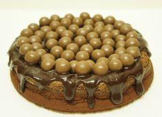 A culpa é das bolachas!: Bolo de Nutella e Chocolate Com Maltesers