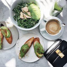 Source: stylishblogger #avocat #avocado #toast #bread #pain #coffee #cafe #food #lunch