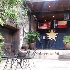 Shakespeare's Pub on E 6th Street in Downtown Austin  #Austin #Texas #downtown #6thStreet #pizza #beer #shakespearsaustin