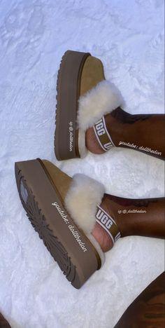 Crocs Fashion, Sneakers Fashion, Fashion Shoes, Cute Sneakers, Shoes Sneakers, Fluffy Shoes, Aesthetic Shoes, Fresh Shoes, Hype Shoes