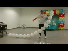 Ballon dog patrol paw Perro de globos - YouTube Balloon Columns, Balloon Garland, Balloon Arch, Balloon Decorations Party, Balloon Centerpieces, Paw Patrol Balloons, Deco Ballon, Balloon Flowers, Diy Garland