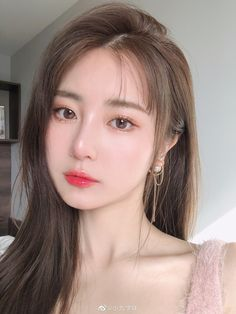 Korean Girl Photo, Cute Korean Girl, Ulzzang Korean Girl, Cute Makeup, Makeup Looks, Hair Makeup, Korean Beauty Girls, Asian Beauty, Korean Hair Color