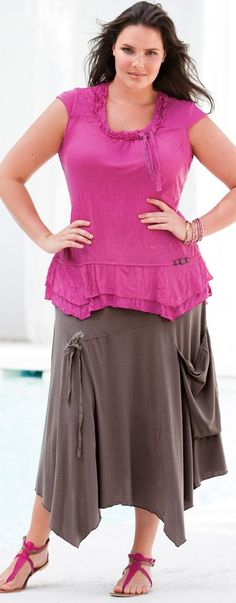 Jersey travel outfits for women over 40 (article) - http://www.boomerinas.com/2014/05/31/wrinkle-free-jersey-clothing-for-travel-women-over-40/