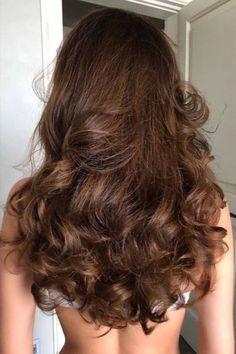 Hair Inspo, Hair Inspiration, Coiffure Hair, Aesthetic Hair, Dream Hair, Pretty Hairstyles, Curly Wavy Hairstyles, Brunette Hairstyles, Easy Hairstyle