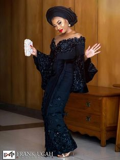 Singer Mo'Cheddah Is Looking Snatched In All-Black Aso Oke Outfi For Her Traditional Wedding Aso Ebi Lace Styles, African Lace Styles, Lace Dress Styles, African Lace Dresses, Latest African Fashion Dresses, Ankara Styles, Latest Fashion, Nigerian Wedding Dresses Traditional, Traditional Wedding Attire