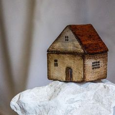 Small wooden house The price is for 1 house Painted Bricks Crafts, Brick Crafts, Wood Block Crafts, Wood Blocks, Wood Crafts, Small Wooden House, Wooden Houses, Clay Houses, Doll Houses