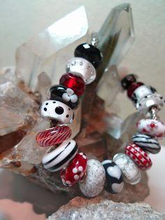 Stunning Bracelet...perfect to wear on Valentine's Day! Trolbeads Calif. (TrollbeadsCalif) on Twitter