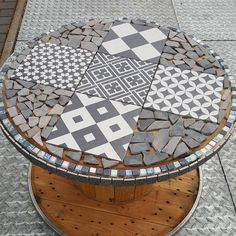 Like 23 times, 8 comments – Melanie Kipfstuhl ( on Ins … – Typical Miracle Wooden Spool Tables, Cable Spool Tables, Wooden Cable Spools, Wooden Spool Crafts, Wood Pallet Crafts, Tire Furniture, Recycled Furniture, Handmade Furniture, Furniture Design