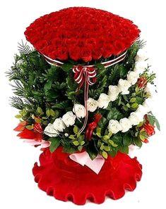 so gorgeous red rose Flower Box Gift, Flower Boxes, Beautiful Rose Flowers, Exotic Flowers, New Flower Images, Rose Flower Arrangements, Good Morning Roses, Rose Flower Wallpaper, Happy Birthday Wallpaper