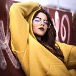 "Focus on me ❤️ / @itsbelliido.ly • - COMENTA 10 VECES POR SEPARADO "" "" Y TE DOY MG Fotos Goals, Youtubers, Take Better Photos, Ulzzang Fashion, Tumblr Girls, Perfect Photo, Best Friends, Photoshoot, Celebrities"