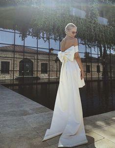 Our Wedding Day, Dream Wedding, Bridal Gowns, Wedding Gowns, Minimal Wedding Dress, Wedding Bells, Bow Wedding, Miami Wedding, Bridal Style