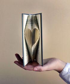 Día de San Valentín de regalo - romántico - amor - doblado de pequeño corazón - novio - novia - te amo - aniversario de bodas - libro - arte...
