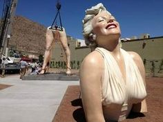 """Marilyn is now in Palm Springs CA.     26ft. Statue called """"Forever Marilyn"""" is now on Palm Canyon Dr. & Tahquitz Canyon Way.  Being unveiled on May 24th 2012."""