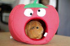 Kleintiere - Kuschelhöhle Erdbeere - ein Designerstück von Little_Stitch bei DaWanda