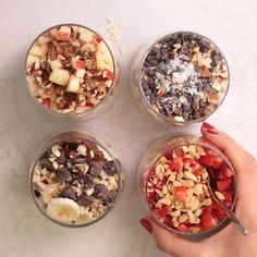 This easy overnight oats recipe is a healthy simple breakfast that you can make ahead for busy mornings and customize with many add-ins and toppings! Overnight Oats Oatmeal Breakfast Ideas Healthy Breakfast Breakfast on-the-go # Easy Healthy Breakfast, Healthy Meal Prep, Healthy Drinks, Healthy Eating, Dinner Healthy, How To Eat Healthy, High Protein Vegetarian Breakfast, Healthy Foods, Healthy Breakfast Recipes For Weight Loss