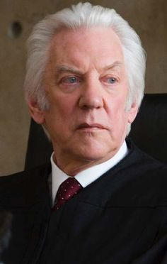 """Donald Sutherland (aka Donald McNichol Sutherland) - Canadian character actor and producer - """"The Italian Job"""" """"MASH"""" """"Pride & Pedjudice"""" """"Commander-in-Chief"""" """"The Eagle Has Landed"""" 1976 and many Donald Sutherland, Kiefer Sutherland, Andy Samberg, Jim Carrey, Pride And Prejudice 2005, Hunger Games Movies, The Italian Job, Famous Men, Famous People"""
