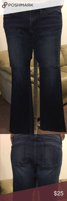 "Guess Jeans Petite Brittney Boot size 27 Super cute! In excellent used condition! Will pair nice with just about any top! Waist approximately 30"" length approximately 31 1/2"". Tag has been cut out that tells what they are made of, but they are stretch and all other authenticity tags are in tacked. Guess Jeans Boot Cut"