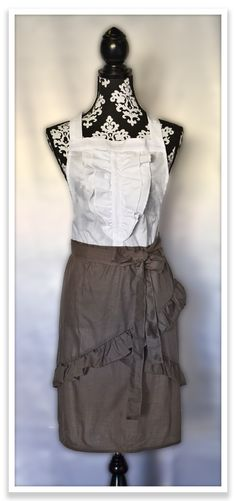Beautiful apron from The Smart Baker. Check out their apron with conversions printed on it!