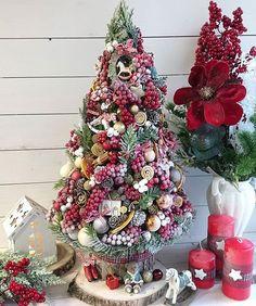 Christmas Topiary, Christmas Tree Images, How To Make Christmas Tree, Christmas Tree Painting, Small Christmas Trees, Pink Christmas, Diy Christmas Ornaments, Xmas Tree, Winter Christmas