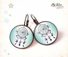 Boucles d'oreille Cabochons • Attrape rêves • plume bleu rose blanc verre
