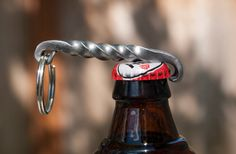 Hand geschmiedet verdrehte Bottle Opener Keyring