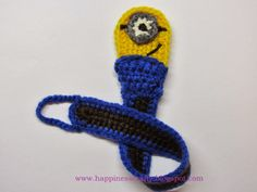 Happiness Crafty: Minion Pacifier Holder ~ Free Crochet Pattern by Happiness Crafty Crochet Baby Bibs, Minion Crochet, Cute Crochet, Crochet For Kids, Crochet Crafts, Crochet Yarn, Baby Knitting, Crochet Projects, Crochet Pacifier Holder