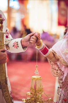 Tips For Planning The Perfect Wedding Day. A wedding should be a joyous occasion for everyone involved. The tips you are about to read are essential for planning and executing a wedding that is both Punjabi Wedding Couple, Sikh Wedding, Wedding Poses, Wedding Photoshoot, Wedding Couples, Destination Wedding, Punjabi Couple, Farm Wedding, Boho Wedding