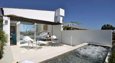€435 Das Hotel Calma Blanca empfängt Sie in Cadaqués und nur 2 Gehminuten vom Salvador Dali-Haus entfernt mit einem beheizten Außenpool, einem Spa sowie mit...